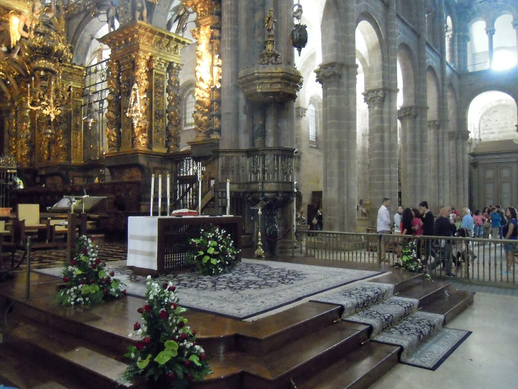 Catedral de santiago de compostela interior desde la - Catedral de sevilla interior ...