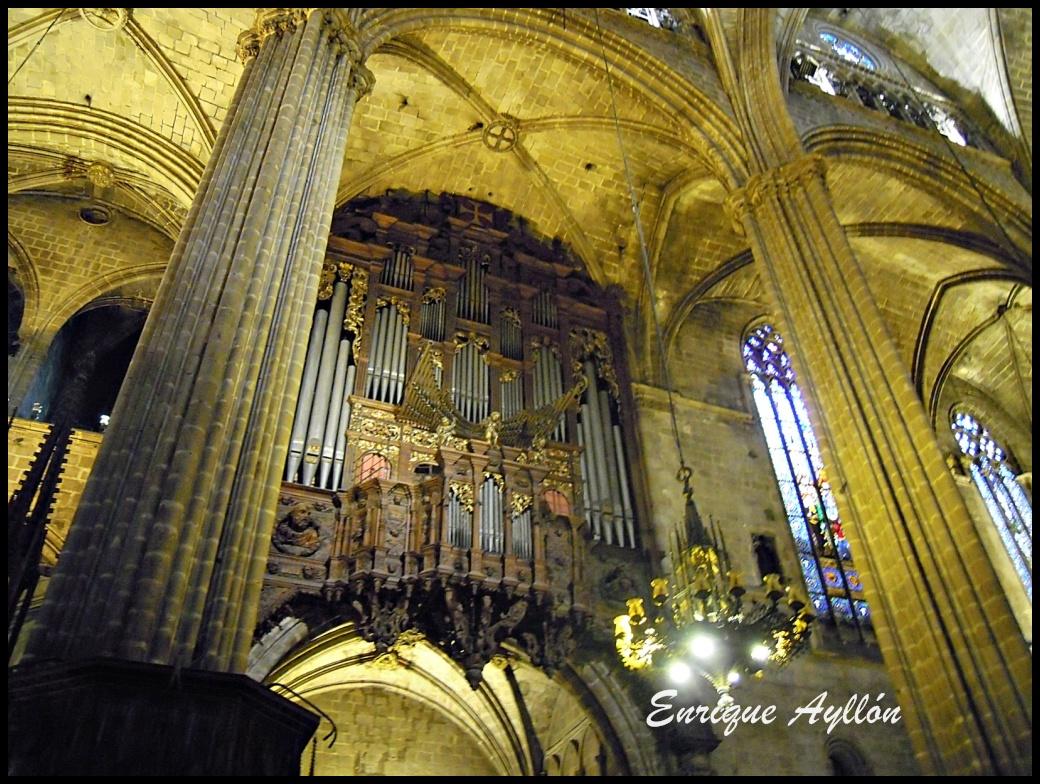 Catedral de barcelona interior desde la giralda for Catedral de barcelona interior